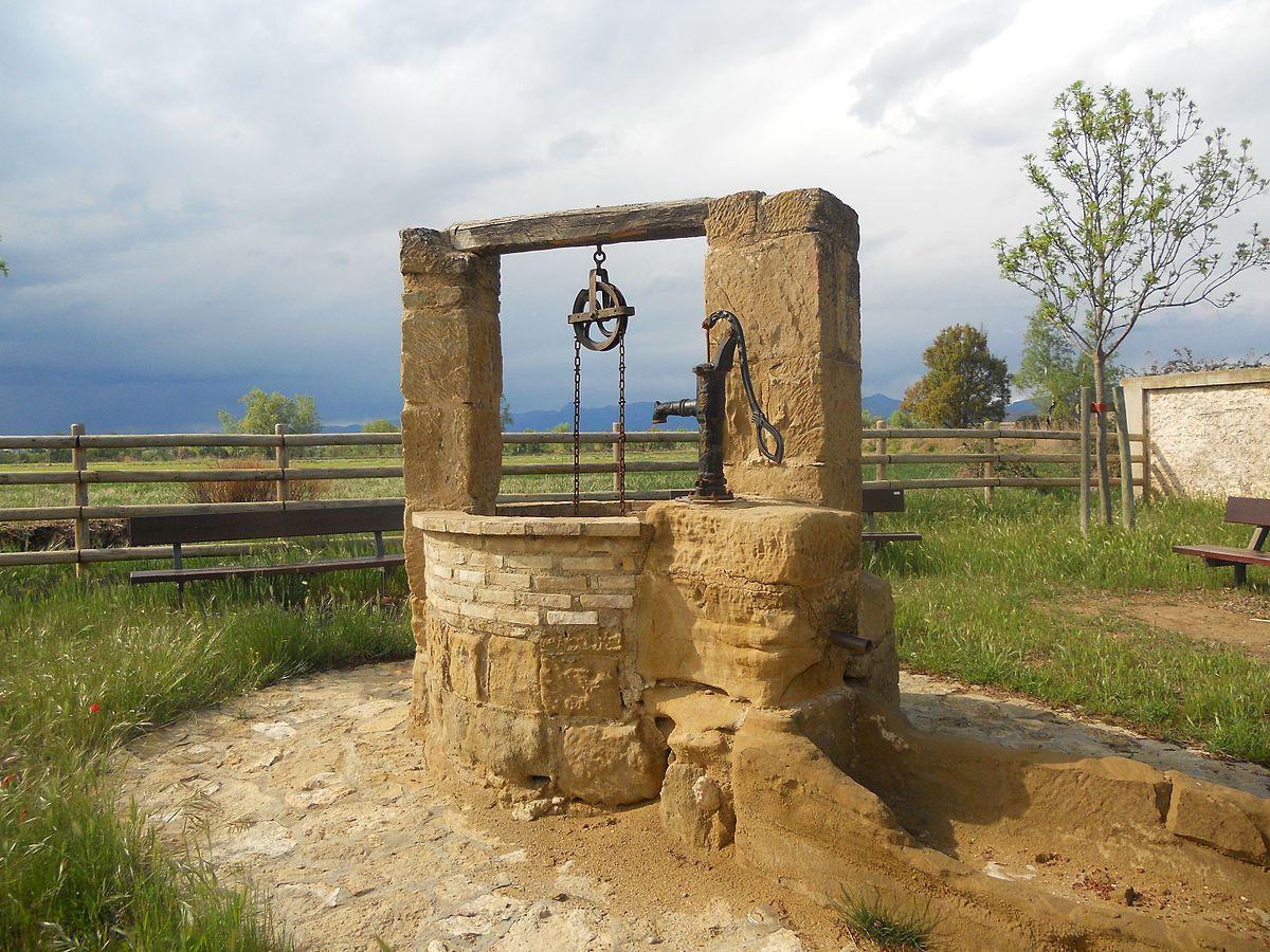 Ein alter Zugbrunnen